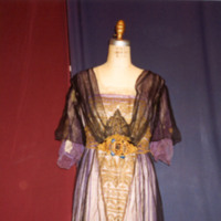 http://vcomeka.com/vccc/images/1992.043.f.jpg